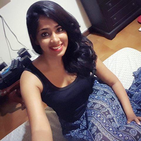 Kishani Alanki Selfie