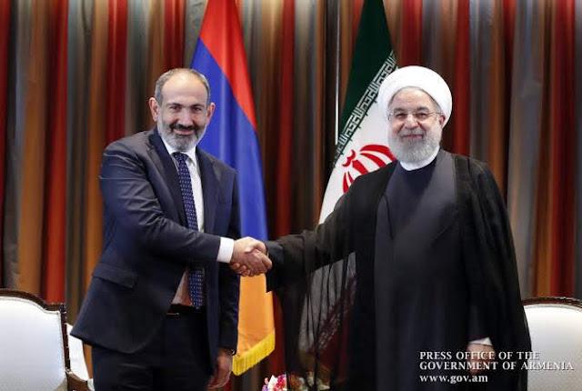 Hassan Rouhani invita a Pashinyan visitar Irán