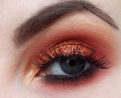 warm makeup with glitter