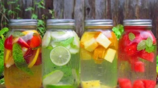 Manfaat dan resep membuat infused water