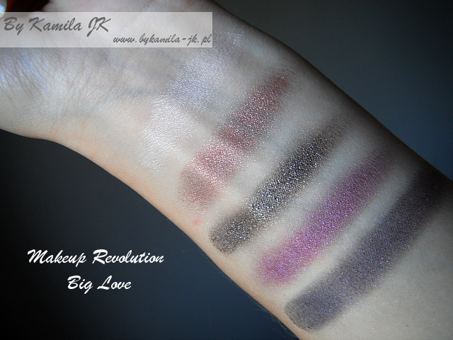 Makeup Revolution paleta cieni Big Love swatche