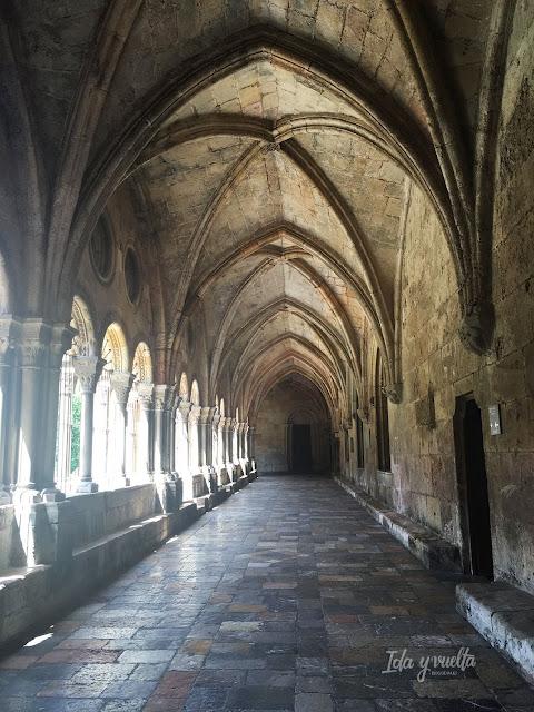 Bóvedas de crucería en el claustro