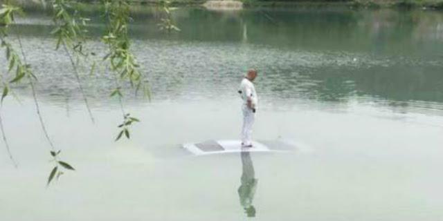 Gara-gara Sibuk Cari Ponsel di Bawah Jok, Mobil Nyungsep ke Danau