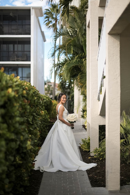 Getting ready pictures wedding on Sanibel