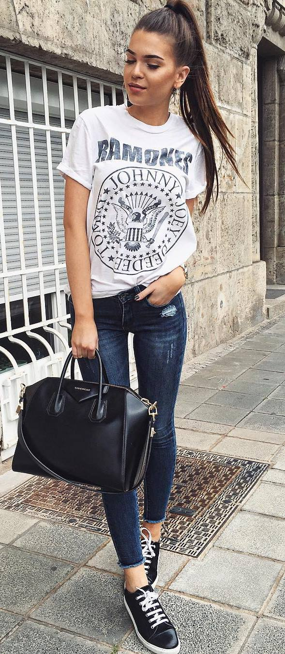 outfit idea: t-shirt + skinnies + bag