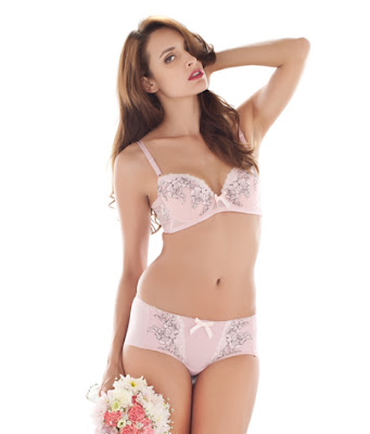 2b9a489dd1 I Can Be Body Beautiful at Any Age with Wacoal - the real pinKIKAY
