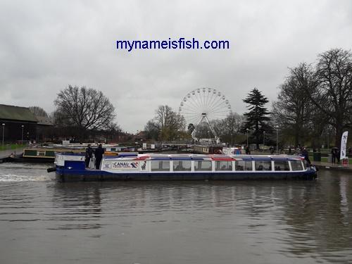 Stratford-upon-Avon River Tour. Stratford Canal Boat Tour. Warwickshire England