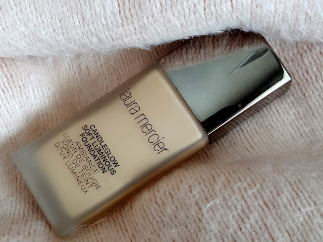 Laura Mercier Candleglow Soft Luminous Foundation Review, Photos, Swatches