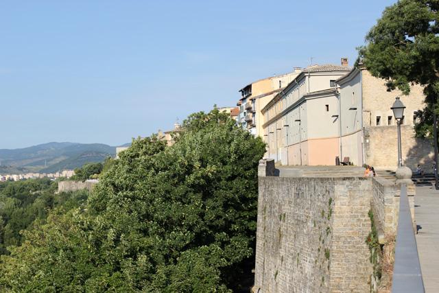 Paseo de Ronda, sobre el Baluarte de la Rochapea