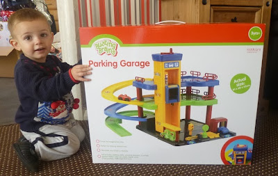 Yorkshire Blog, Mummy Blogging, Parent Blog, kiddicare, Garage, Buzzing Brains Parking Garage, Toys, Review, Christmas Feature,