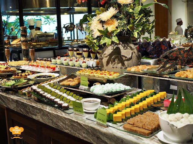 Traditional Kuih Muih Juadah Kampung Buffet Dinner Kontiki Restaurant The Federal Hotels Kuala Lumpur