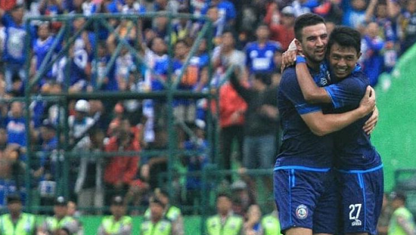 Arema FC 5-3 PSIS: Hujan Gol di Stadion Gajayana