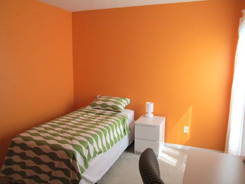 orange teen bedroom
