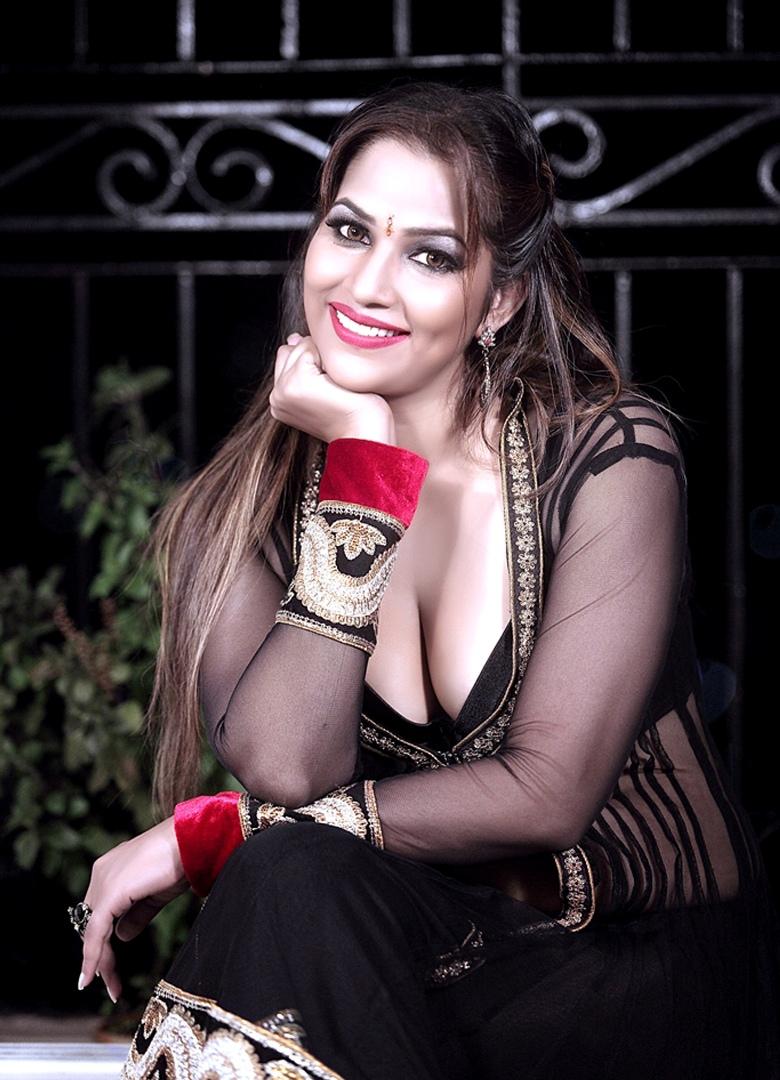 Tanisha singh navel - 2 part 8