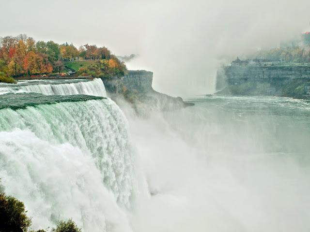 Niagara Falls, en primer término las American Falls, en el Estado de Nueva York