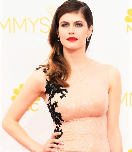 Alexandra Daddario beautiful actress