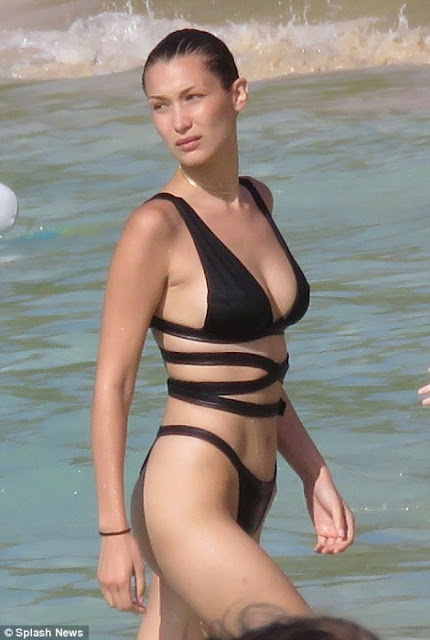 Hot girls Bella Hadid sexy Hollywood actress with Bikini 5