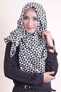 Shafeeya Segi Empat Afnia - Black