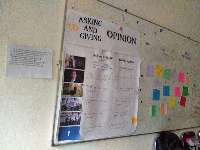 Meminta dan memberi pendapat