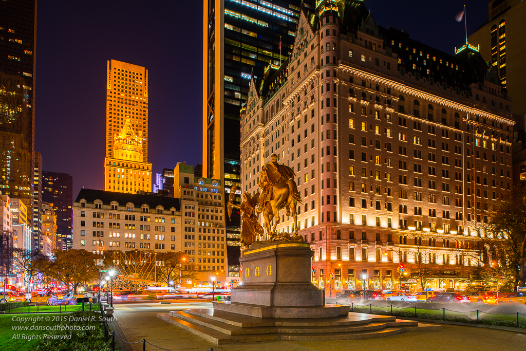 a photo of the plaza hotel in new york at christmas