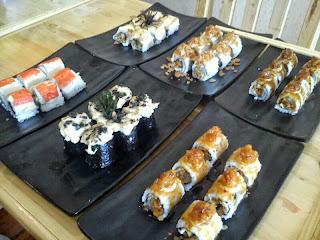 7 Makanan Khas Jepang Yang Terkenal Beserta Namanya Dan Gambarnya : Ramen, Sushi DLL