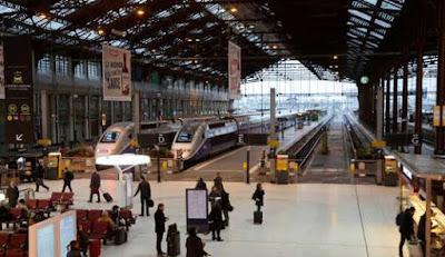 80 mots et phrases pour bien parler le français à la gare