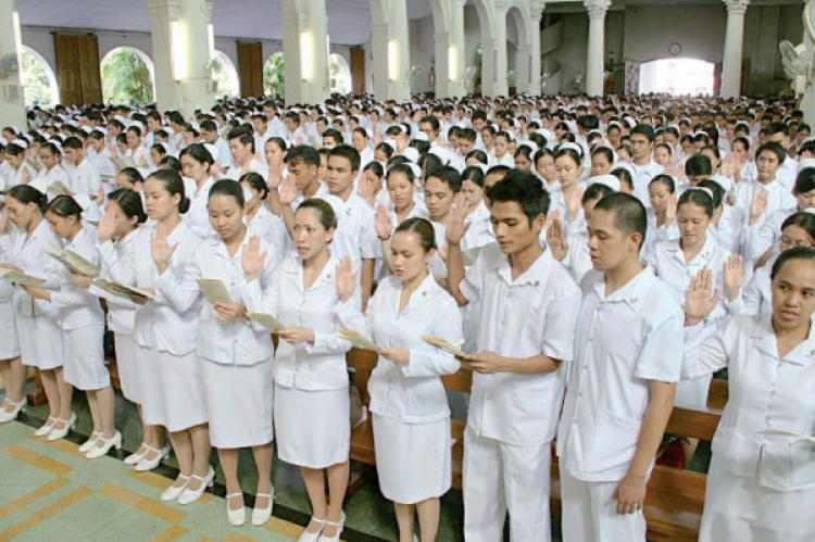 100,000 Filipino nurses wanted in UK, UAE