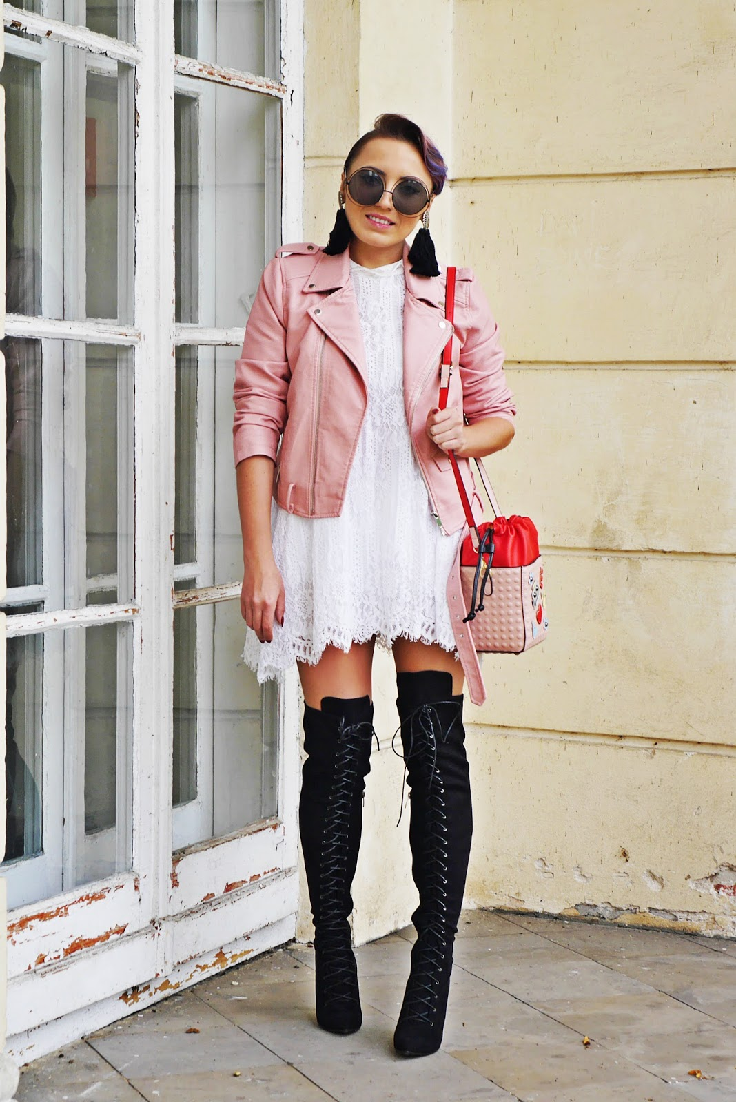 5_pink_biker_jacket_high_knee_shoes_renee_karyn_blog_modowy_lace_dress_180917df
