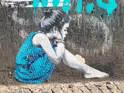 Straßenkunst: Junge Lady