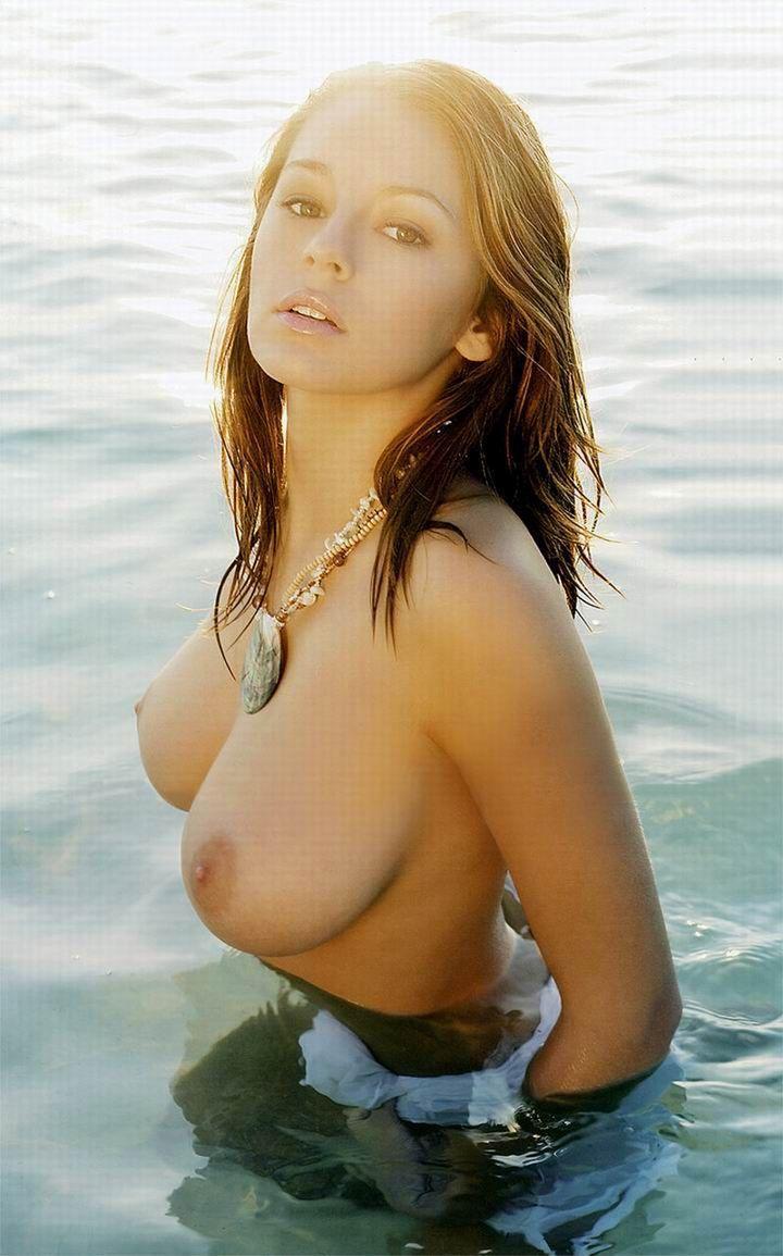 Красивая женская грудь фото крупным планом
