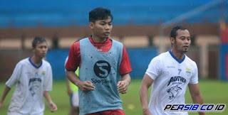 Dua Wajah Asing Ikuti Latihan Persib di Stadion Gelora Bumi Kartini Jepara