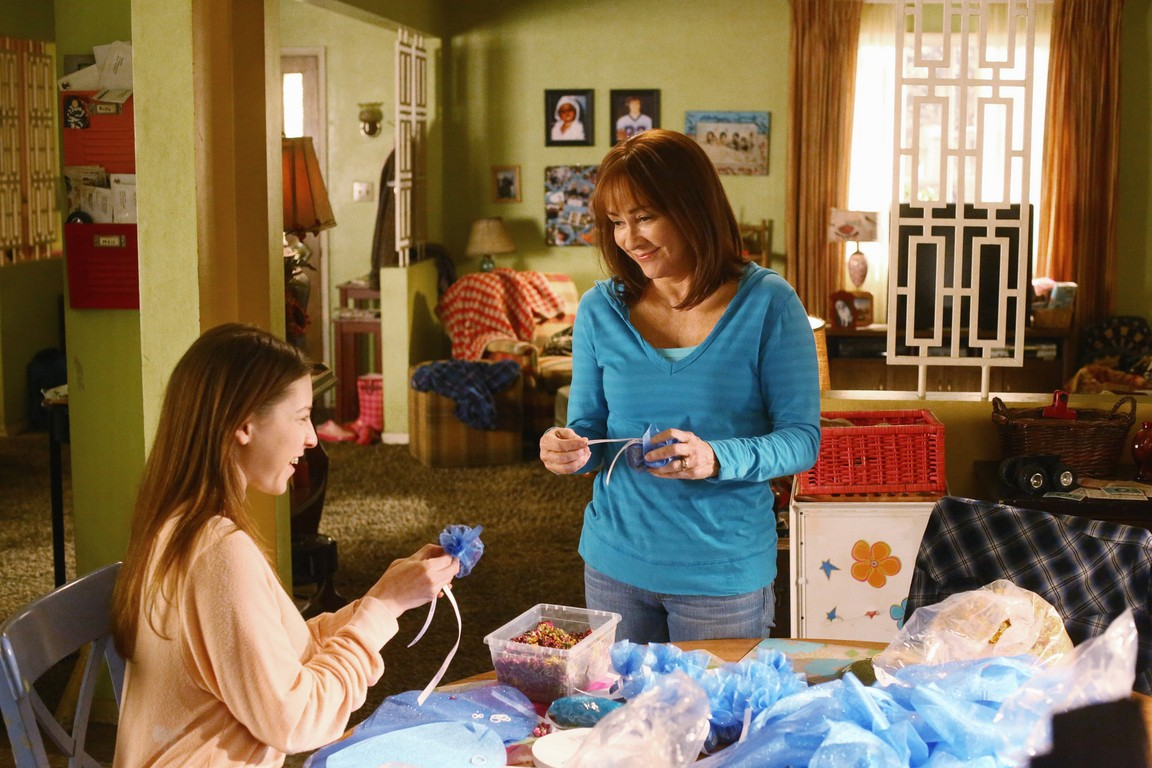 The Middle - Season 6 Episode 17: The Waiting Game