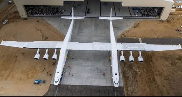 World's Largest Plane Stratolaunch Aircraft First Rollout