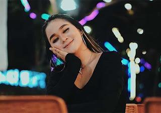 Anggun Pramudita Foto Cantik