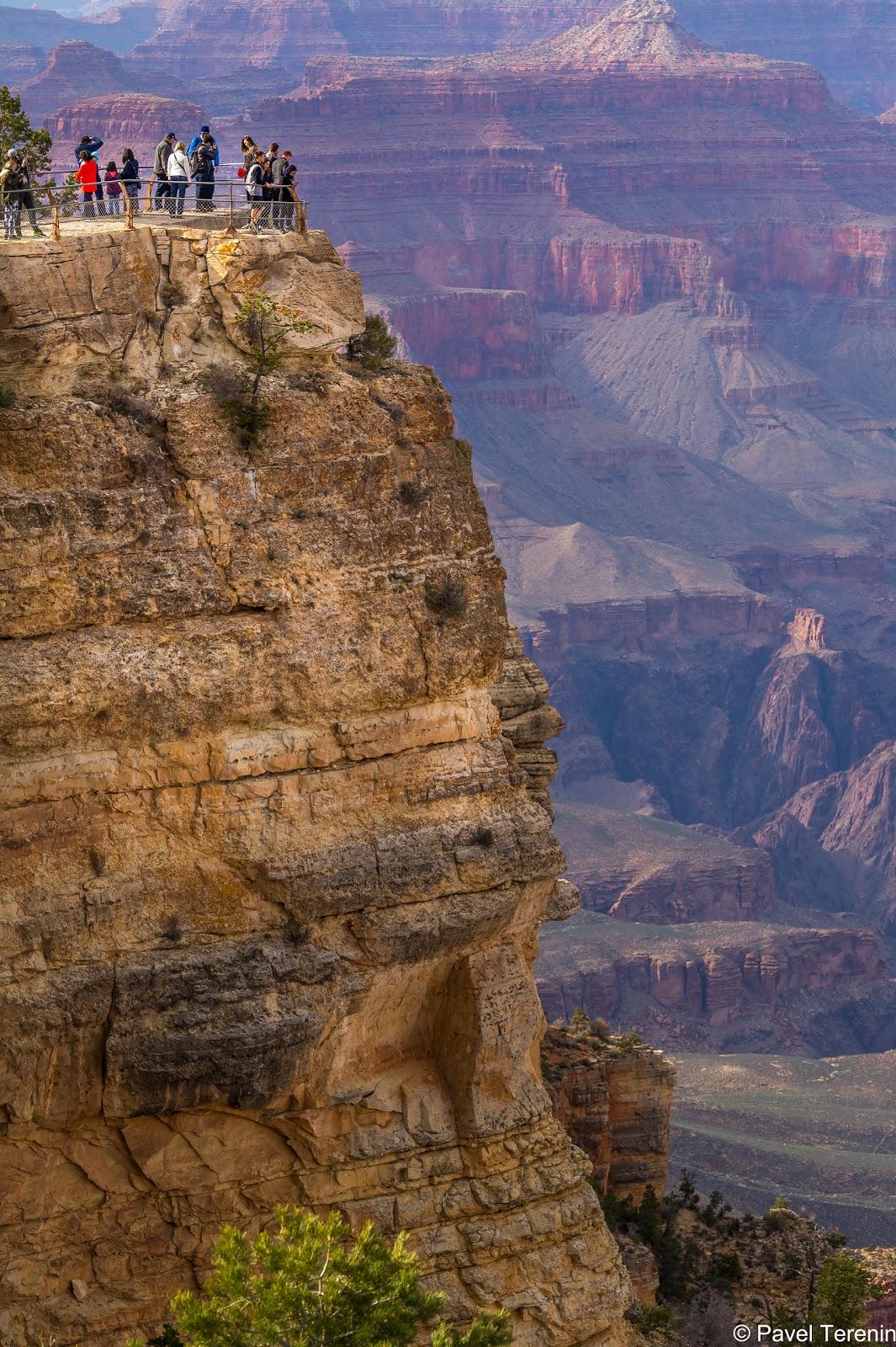 Каньон привлекает своими поистине неземными пейзажами около 4 млн. туристов в год из разных уголков планеты.