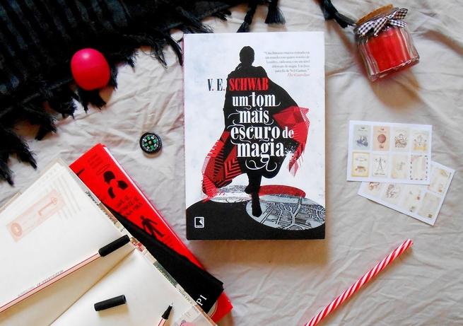 Um Tom Mais Escuro de Magia | V. E. Schwab