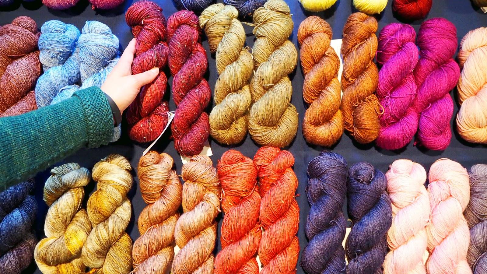 Ovillo Wolle handgefa%25CC%2588rbte Garne