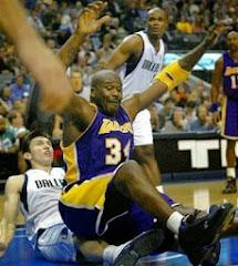 u dvoboju smešna slika: sletanje košarkaša Shaquille O'Neala