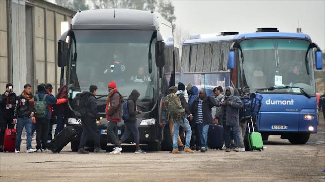 Francia inicia el desalojo de 6000 refugiados en Calais