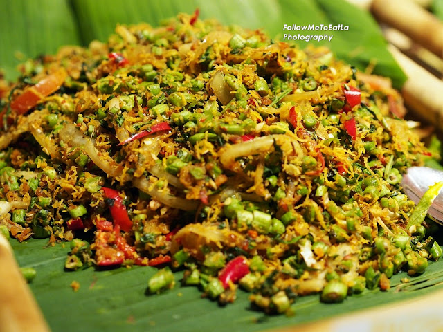 Kerabu Kacang Buncis (Local Baby French Beans Salad With Coconut & Tumeric)
