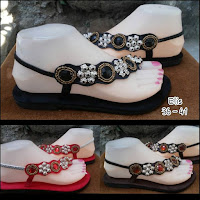http://www.bajubalimurah.com/2013/10/koleksi-sandal-bali.html