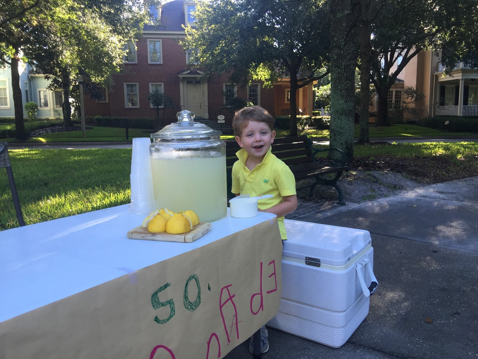 how to get people to come to your lemonade stand