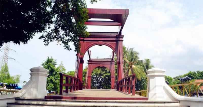 Mengenal Jembatan Kota Intan: Jembatan Tertua di Indonesia