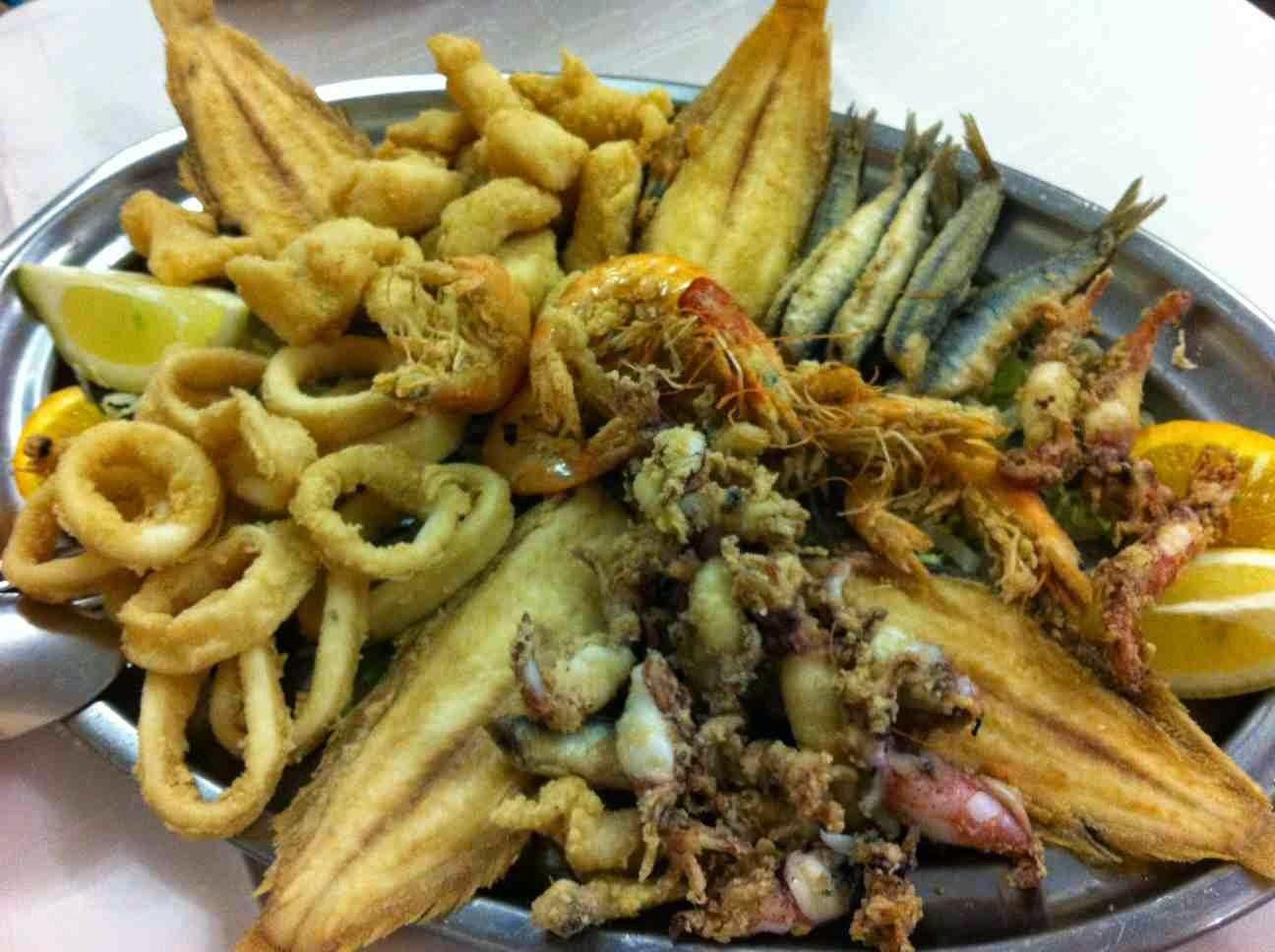 pescaito frito en Sevilla
