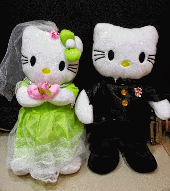 Gambar boneka hello kitty berpasangan gratis