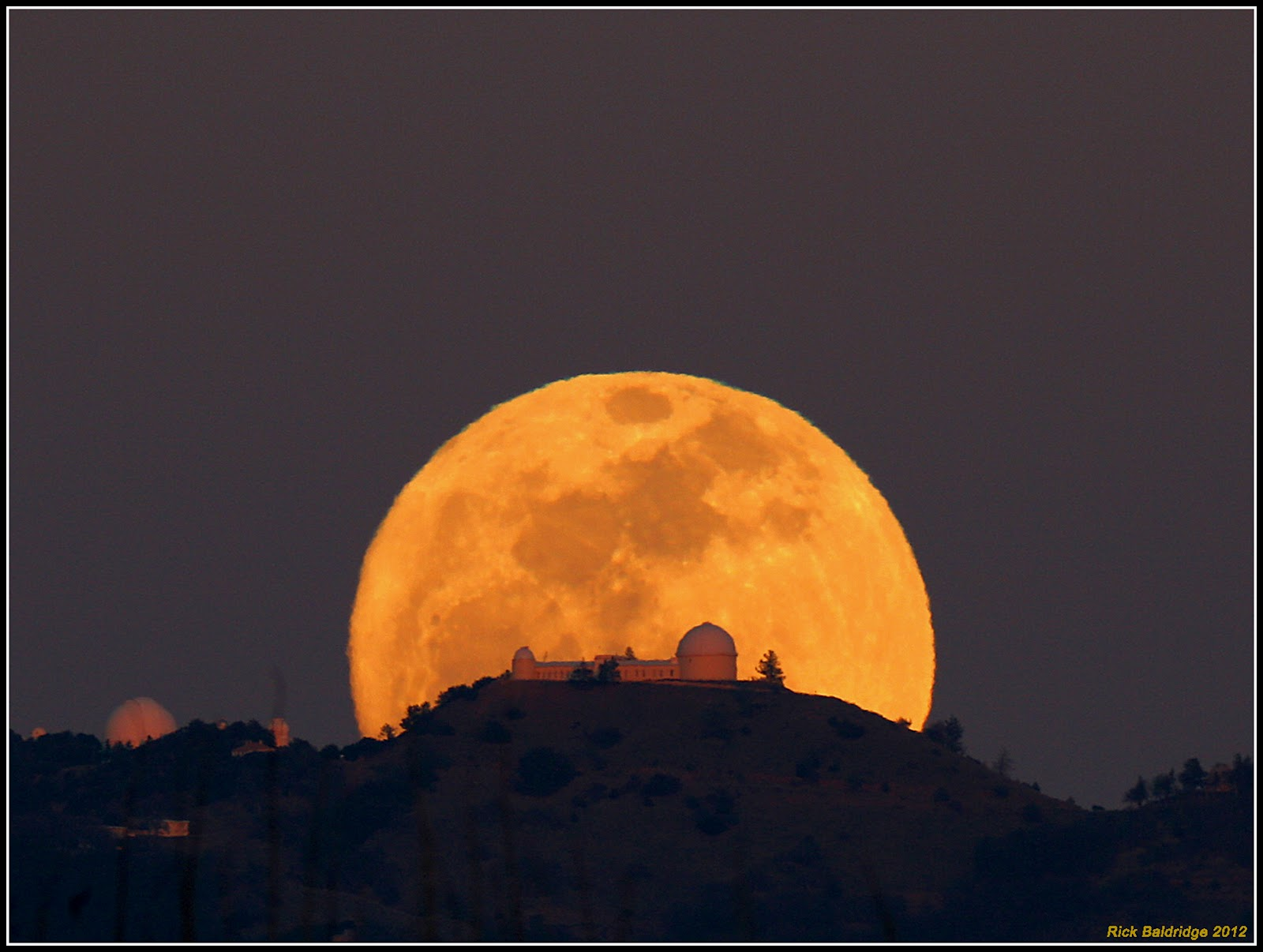 http://danspace77.com/2014/09/07/final-supermoon-of-2014-and-the-list-for-2015/