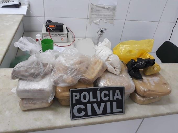 POLÍCIA CIVIL DE CRATEÚS APREENDE GRANDE QUANTIDADE DE DROGAS NO CENTRO DE CRATEÚS