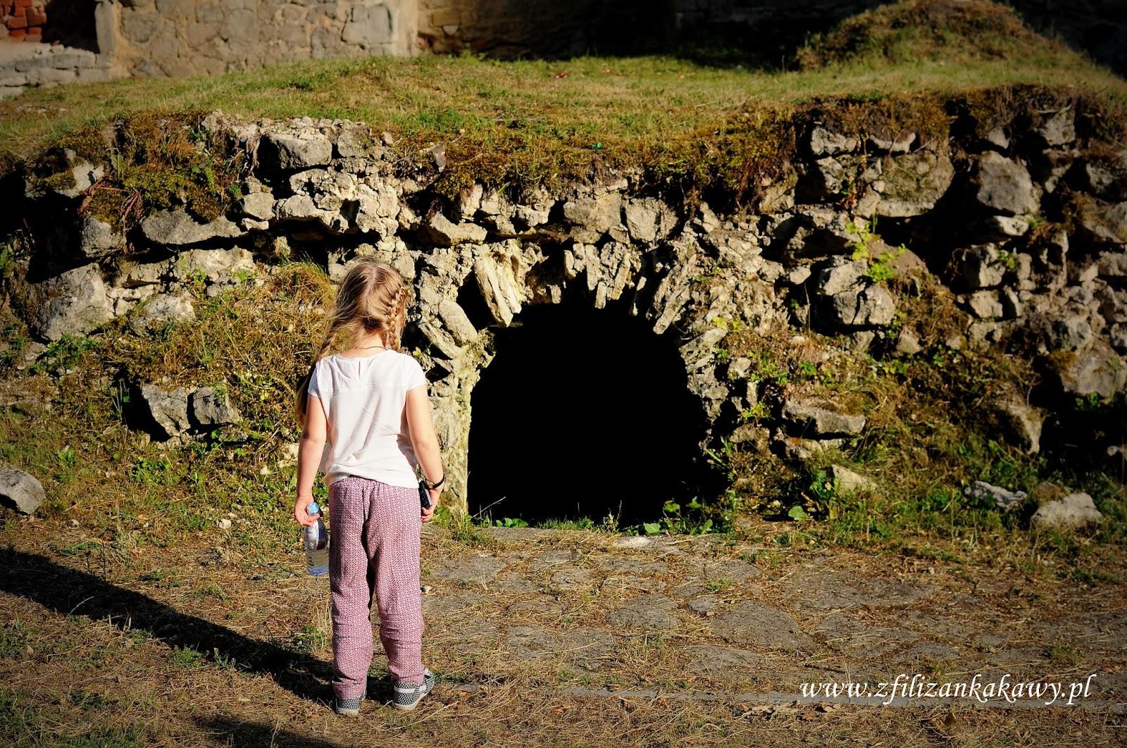 Szydłów mury obronne
