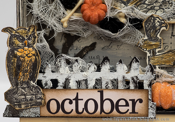 Layers of ink - Halloween Shadow Box Tutorial by Anna-Karin with Tim Holtz stamps and idea-ology