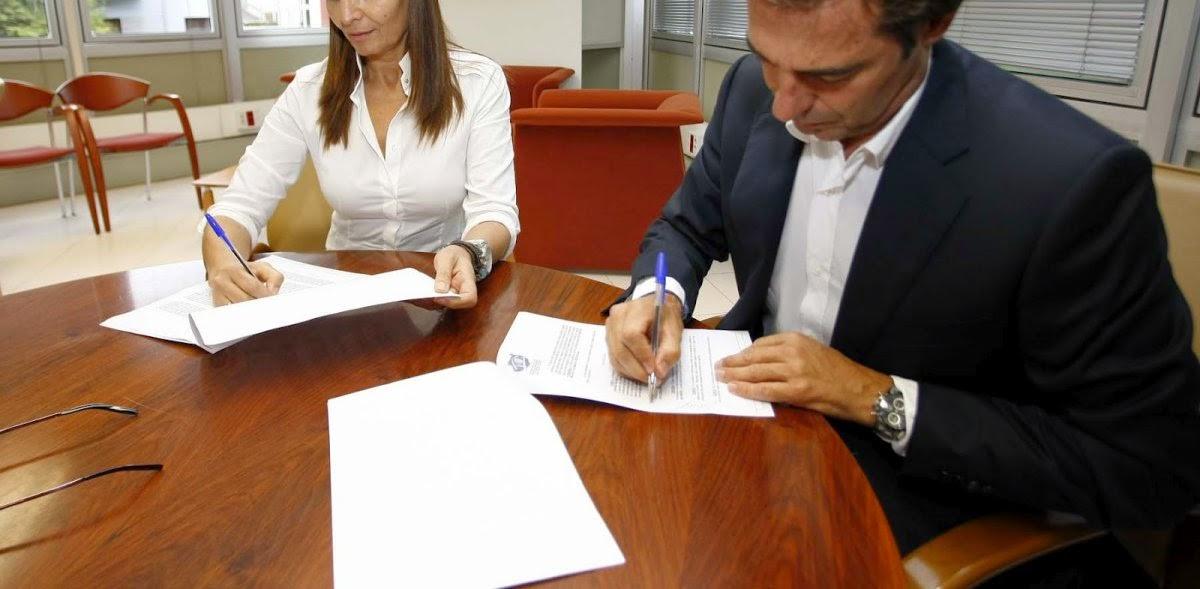 Firma de contrato en Derecho mercantil